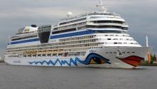 Incident Video: Brand New Luxury Cruise Ship Breaks Moorings
